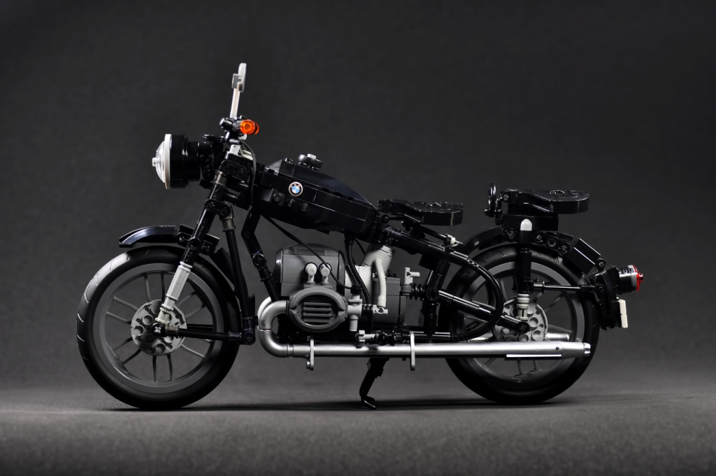 The_Vintage_Motorcycle_of_BMW_R60-2.jpg